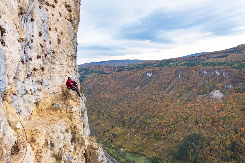 ViaFerrata-Guinguette-PlateauD'Hauteville-001-Web-2020©Jérôme Pruniaux-Agence ARGO-HautBugeyTourisme_1008x672